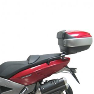 PORTE BAGAGE/SUPPORT TOP CASE MAXI SCOOTER SHAD ADAPT. 800 GILERA GP 2008→ Top-case sur le site du spécialiste des deux roues...