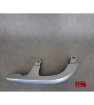 Poignée passager droit origine YAMAHA X-MAX / MBK SKYCRUISER Carrosseries sur le site du spécialiste des deux roues O-TAKET.COM