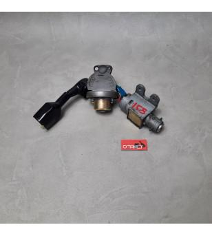 Contacteur à clé + bouchon essence + 1 clé scooter chinois 4T (LAZIO RENO)